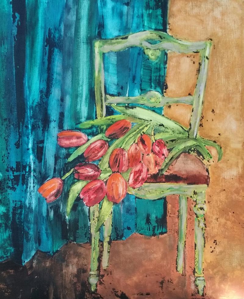 Chaise et tulipes